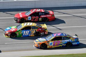 Kyle Busch, Joe Gibbs Racing, Toyota Camry M&M's, Corey LaJoie, TriStar Motorsports, Chevrolet Camaro Winn Dixie, Ricky Stenhouse Jr., Roush Fenway Racing, Ford Fusion SunnyD
