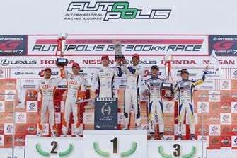 GT500 podium