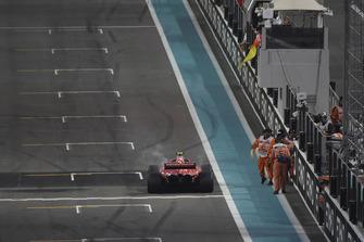 Kimi Raikkonen, Ferrari SF71H retires form the race
