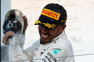 Podio: ganador de la carrera Lewis Hamilton, Mercedes AMG F1