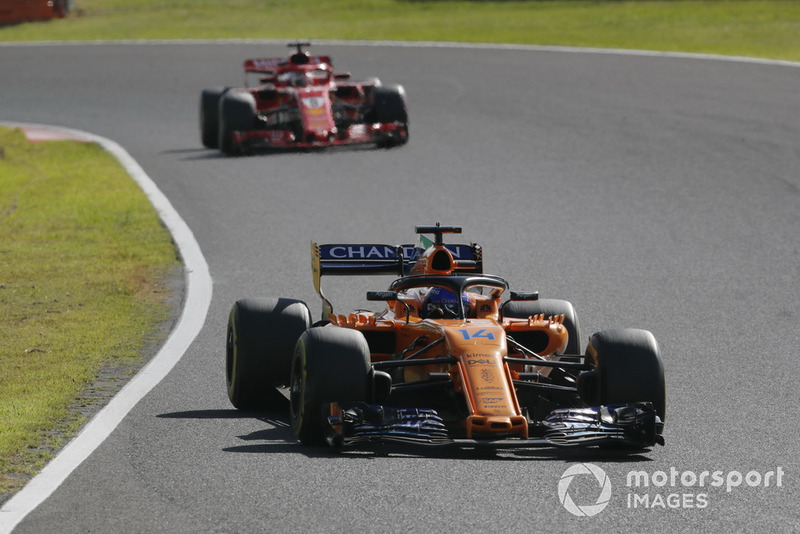 Fernando Alonso, McLaren MCL33, Sebastian Vettel, Ferrari SF71H