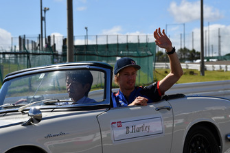 Brendon Hartley, Scuderia Toro Rosso, durante la drivers parade