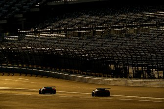 #13 Via Italia Racing Ferrari 488 GT3, GTD: Chico Longo, Victor Franzoni, Marcos Gomes, #3 Corvette Racing Corvette C7.R, GTLM: Jan Magnussen, Antonio Garcia, Mike Rockenfeller