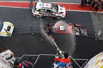Podio: Dusan Borkovic, Target Competition Hyundai i30 N TCR