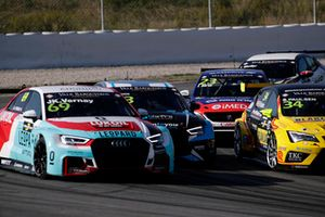 Jean-Karl Vernay, Leopard Lukoil Team Audi RS3 LMS TCR, Nathanaël Berthon, Comtoyou Racing Audi RS3 LMS TCR, Francisco Abreu, Sports & You Peugeot 308 TCR