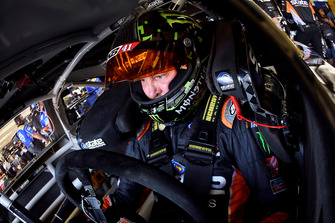 Kurt Busch, Stewart-Haas Racing, Ford Fusion State Water Heaters