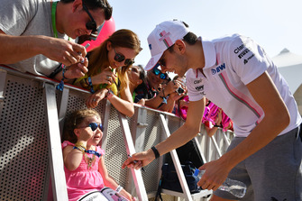 Esteban Ocon, Racing Point Force India met fans