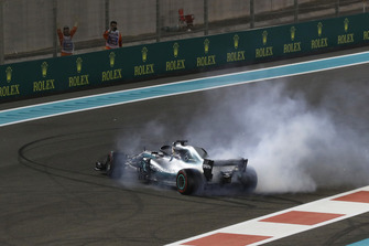 Race winner Lewis Hamilton, Mercedes-AMG F1 W09 celebrates with donuts