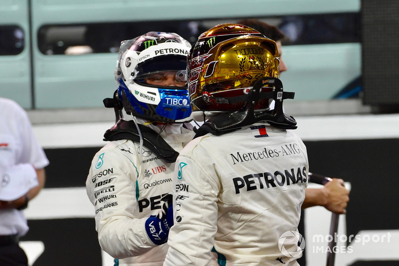 Valtteri Bottas, Mercedes AMG F1 y Lewis Hamilton, Mercedes AMG F1 celebra en Parc Ferme