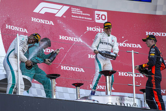 Lewis Hamilton, Mercedes AMG F1, Matt Deane, Mercedes AMG F1 Chief Mechanic, Valtteri Bottas, Mercedes AMG F1, Max Verstappen, Red Bull Racing celebrate with the champagne on the podium