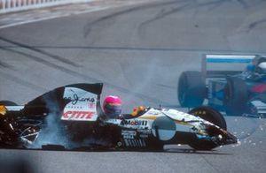Авария на старте: Педру Лами, Lotus 107C Mugen Honda