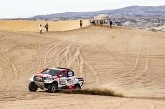 #302 Toyota Gazoo Racing Toyota Hilux: Giniel de Villiers, Dirk von Zitzewitz