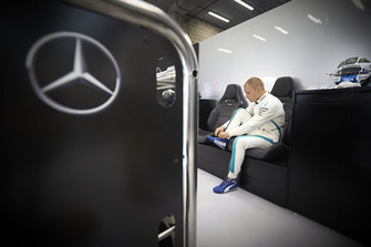 Valtteri Bottas, Mercedes AMG F1, adjusts his boot