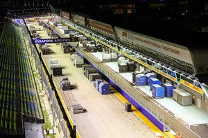 Main straight, pit lane and freight