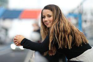 #459 Porsche Cayman: Carrie Schreiner