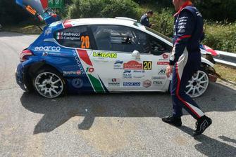 La Peugeot 208 T16 di Paolo Andreucci dopo l'incidente
