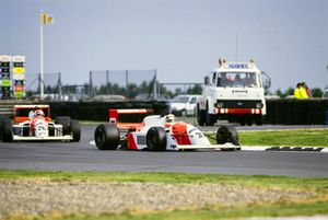 Allan McNish leads DAMS team mate Erik Comas 1990