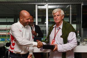 Le journaliste Roger Benoit, au F1 Hall of Fame