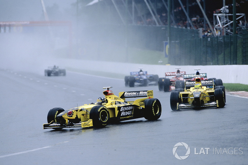 Damon Hill, Jordan 198 and Ralf Schumacher, Jordan 198