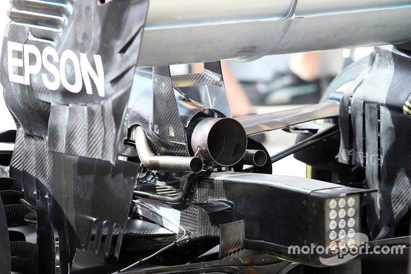 Mercedes AMG F1 W09 exhaust