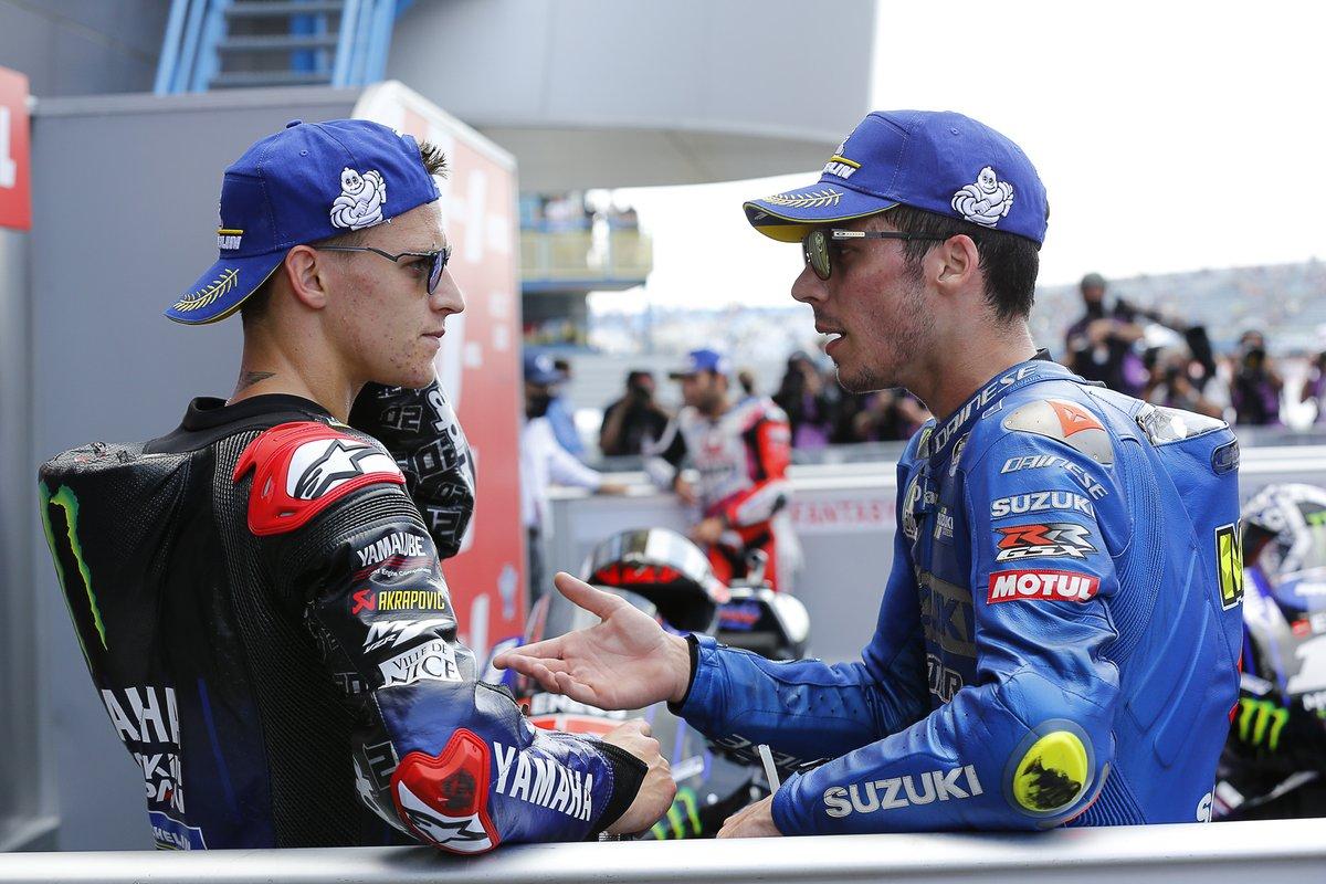 Ganador de la carrera Fabio Quartararo, Yamaha Factory Racing, tercero Joan Mir, Team Suzuki MotoGP