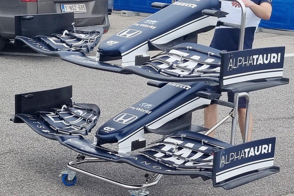 Detalle de endplate delantero del AlphaTauri AT02