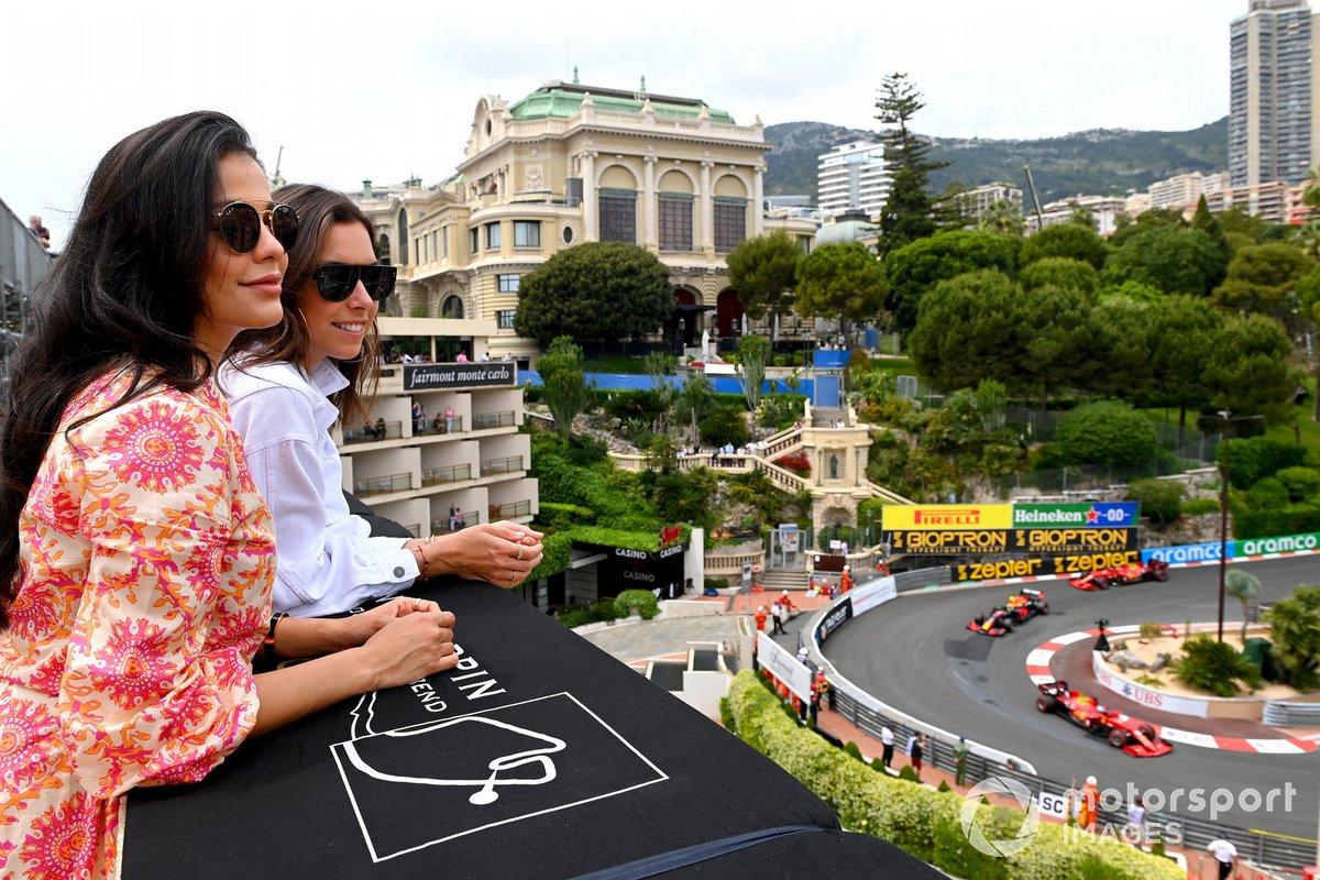 Fans watch as Charles Leclerc, Ferrari SF21, Sergio Pérez, Red Bull Racing RB16B, Carlos Sainz Jr., Ferrari SF21