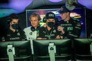 Nico Rosberg, fundador y director general de Rosberg X Racing, y el equipo en el Centro de Mando