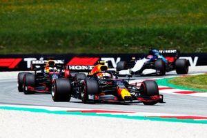 Sergio Perez, Red Bull Racing RB16B, Max Verstappen, Red Bull Racing RB16B, and George Russell, Williams FW43B