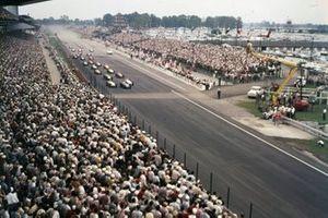 Start zum 40. Indy 500 am 30. Mai 1956