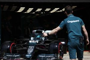 Lance Stroll, Aston Martin AMR21, leaves the garage
