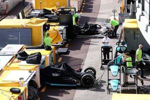 Team unload the Formula E cars
