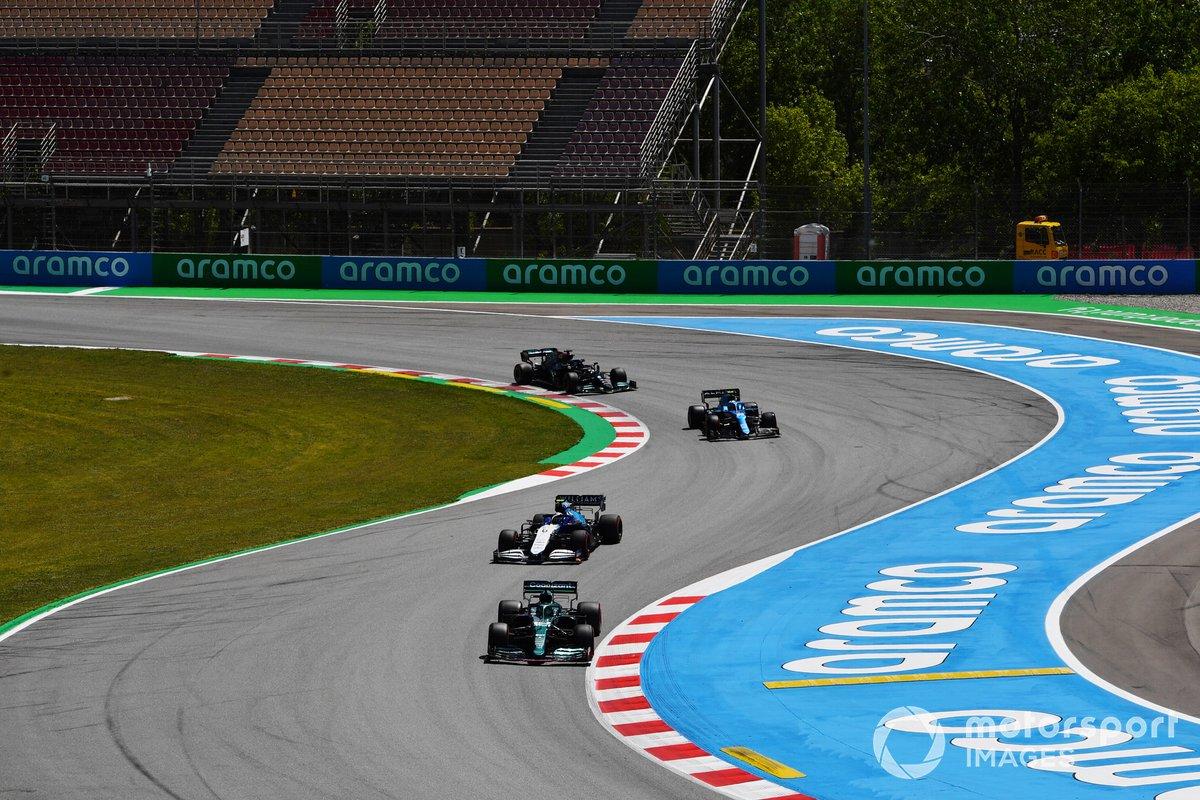 Lance Stroll, Aston Martin AMR21, Nicholas Latifi, Williams FW43B, Fernando Alonso, Alpine A521, Lewis Hamilton, Mercedes W12