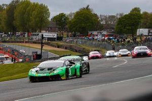 #1 Adam Balon / Sandy Mitchell - Barwell Motorsport Lamborghini Huracan GT3 Evo at the start of the race