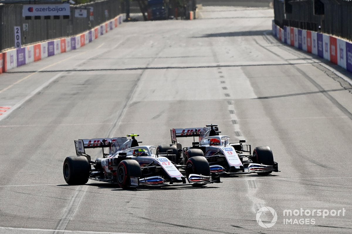 Mick Schumacher, Haas VF-21, Nikita Mazepin, Haas VF-21, al inicio