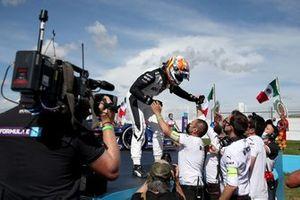 Race winner Edoardo Mortara, Venturi Racing, Mercedes-Benz EQ Silver Arrow 02