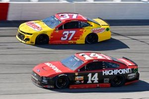 Chase Briscoe, Stewart-Haas Racing, Ford Mustang HighPoint.com Throwback, Ryan Preece, JTG Daugherty Racing, Chevrolet Camaro Velveeta