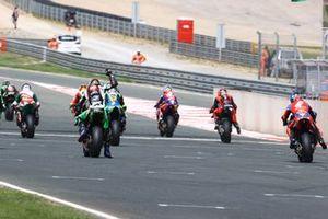 Lucas Mahias, Kawasaki Puccetti Racing has his hand raised for the restart