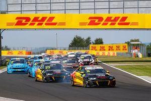 Start action, Gilles Magnus, Comtoyou Team Audi Sport Audi RS 3 LMS líder