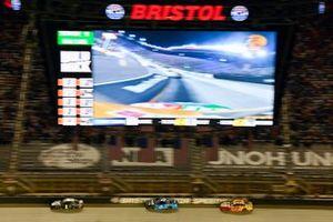 Kurt Busch, Chip Ganassi Racing, Chevrolet Camaro Monster Energy and Joey Logano, Team Penske, Ford Mustang Shell Pennzoil