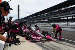Helio Castroneves, Meyer Shank Racing Honda pit stop
