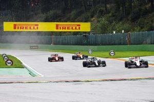 Nikita Mazepin, Haas VF-21, Sebastian Vettel, Aston Martin AMR21, Daniel Ricciardo, McLaren MCL35M, Carlos Sainz Jr., Ferrari SF21