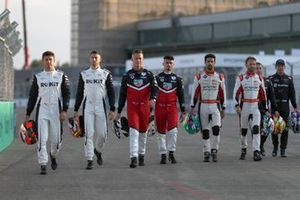 Drivers on the grid pose for group photo