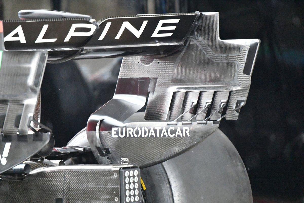 Детали заднего антикрыла Alpine A521
