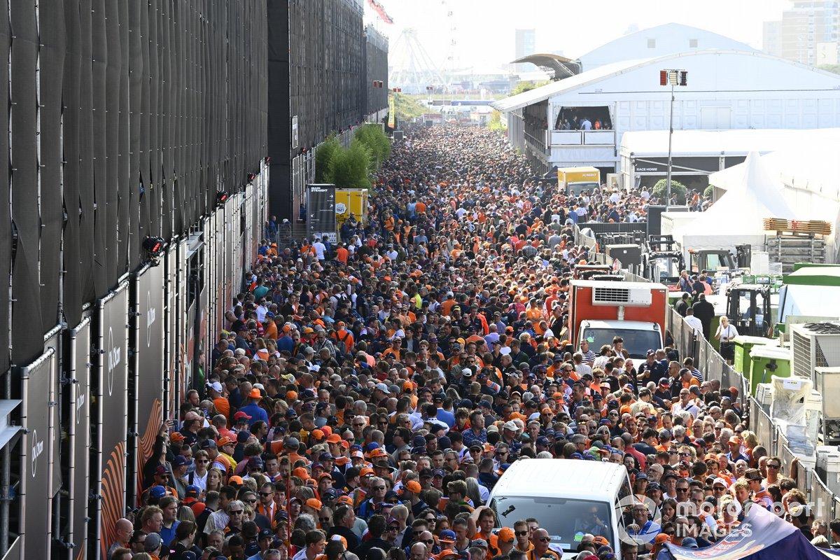 Gran afluencia de fans en el circuito