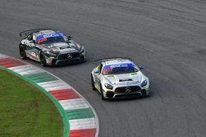#207 Nova Race, Mercedes-AMG GT4: Luca Magnoni, Diego Di Fabio e #228 Nova Race, Mercedes-AMG GT4: Fulvio Ferri, Enrico Bettera