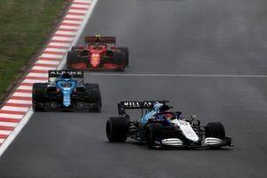 George Russell, Williams FW43B, Fernando Alonso, Alpine A521, Carlos Sainz Jr., Ferrari SF21