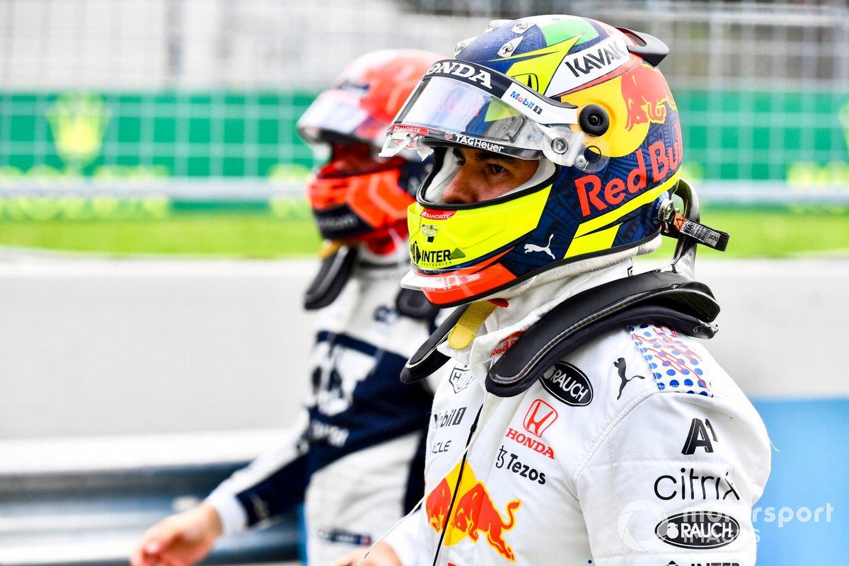 Sergio Pérez, Red Bull Racing, en el Parc Ferme tras la clasificación