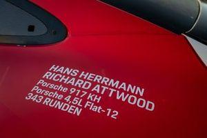 Porsche 911 RSR №91 команды Porsche GT Team: Джанмария Бруни, Рихард Лиц, Фредерик Маковецки