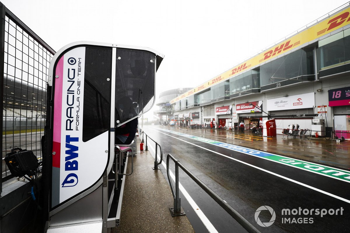 Pit wall de Racing Point F1 Team